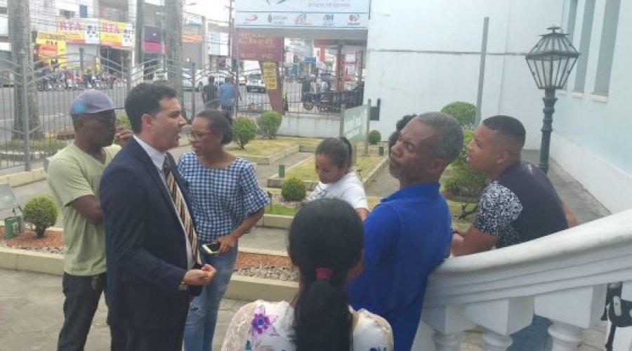 Cooperados da prefeitura de Feira de Santana protestam contra redução salarial devido a implantação de cartão Viafeira - PNotícias